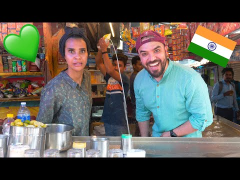 ARAB COUPLE EXPLORES KERALA STREET FOOD