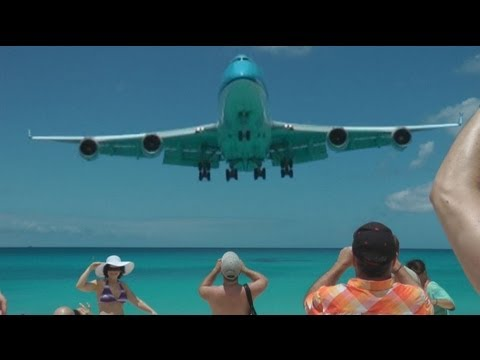 St Maarten Crazy Takeoff Landing 747 A340 etc. (Full HD ...