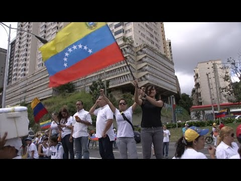 Thousands March to Protest Canceled Referendum in Venezuela