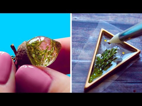 FAIRY PENDANTS MADE FROM DRIED PLANTS AND EPOXY RESIN