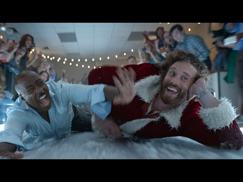 'Office Christmas Party' Trailer 2