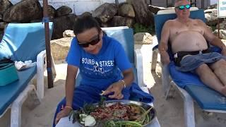 เมียฝรั่งกินส้มตำหน้าหาดเชวงทั้งกินทั้งจ่มให้โรงแรมแซ่บคือเก่า