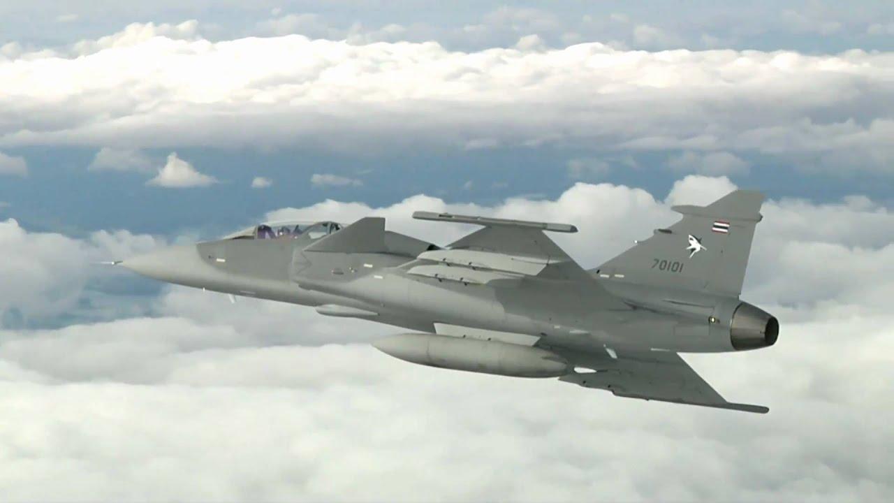 saab jas 39 gripen griffin fighter in flight hd   youtube