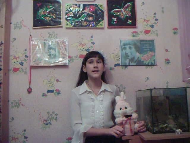 Изображение предпросмотра прочтения – АннаВайновская читает произведение «Мирок» М.И.Цветаевой