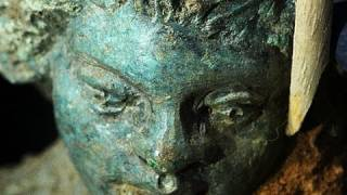 Repeat youtube video Conserving Bronze: The Lamp with Erotes from Vani