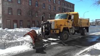 International Paystar Pushing Heavy Snow