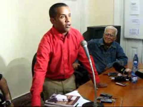 Homenaje de la UPEC a Carlos Serpa, el agente Emil...