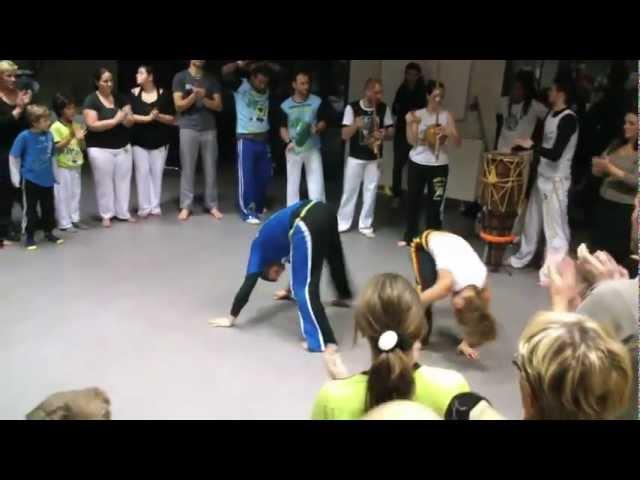 Trailer Ginga Bahia // Escola de Capoeira União // Mestre Indio e Alunos 2013