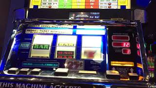 triple lucky 7s machines play  line hits