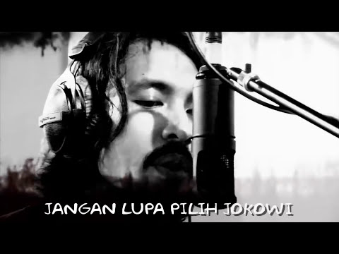 Komunitas Revolusi Harmoni (versi Ello) - Salam 2 Jari (Official Music Video)
