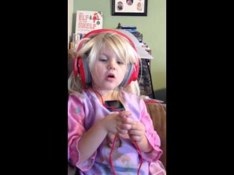 Little girl singing roar - YouTube