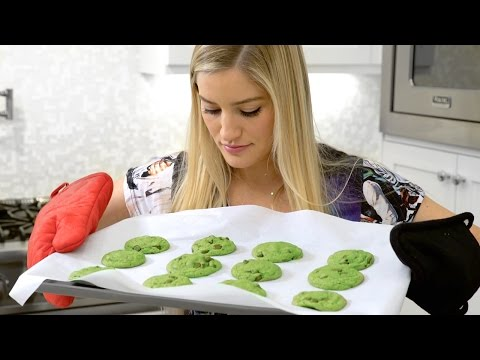 Mint Cookie Mess 🍪🎄 | iJustine