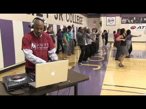 "Joliet Junior College Faculty and Staff Do ""Watch Me (Whip/ Nae Nae)"""