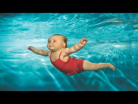 Havuzda Yüzen Bebekler 👶 ( Çok Tatlılar )