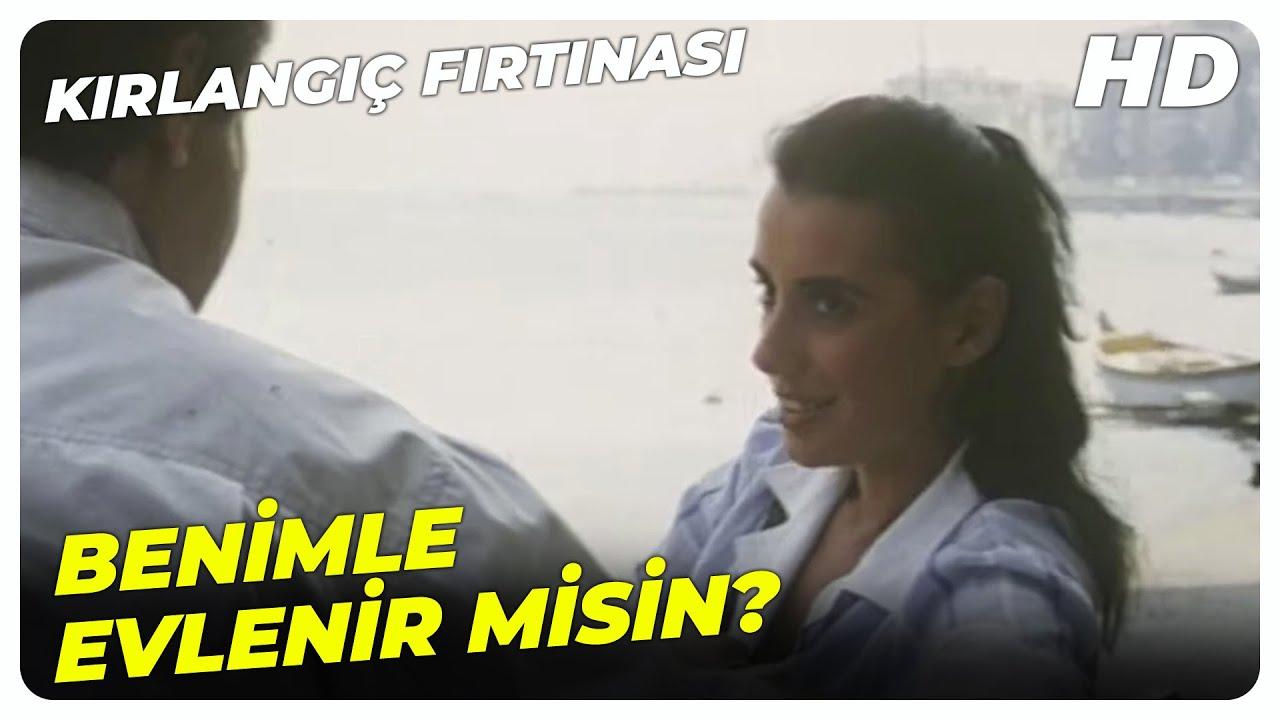 Kırlangıç Fırtınası - Kemal, Gönül'ün Peşine Düştü!   Halil Ergün Perihan Savaş Eski Türk Filmi