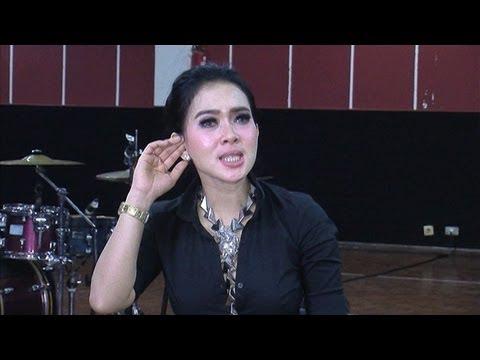 Syahrini Menyanyikan Lagu Mandarin - Intens 9 Oktober 2013