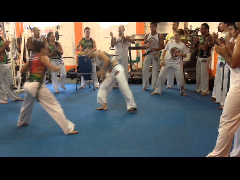 Roda Capoeira Topázio. Mestre Thito.
