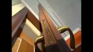 Установка міжкімнатних дверей  і врізка замка.mp4(Установка міжкімнатних дверей і врізка замка., 2012-06-15T15:38:38.000Z)