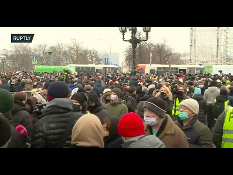 LIVE: Unsanctioned rally takes place in Moscow in support of Alexei Navalny