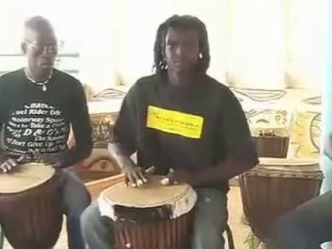 Trommelkurs mit Baye Cheikh in La Somone