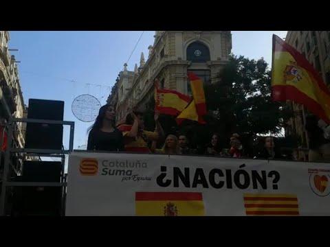 A versión 'techno' do himno de España soa en Barcelona no Día da Constitución