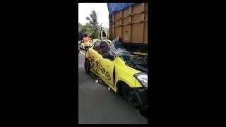 mobil datsun go nabrak truk sampai ringsek habis tangerang