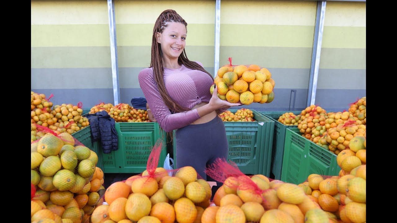 Popularna Prodavacica Mandarina Kristina Na Novoj Lokaciji Kod