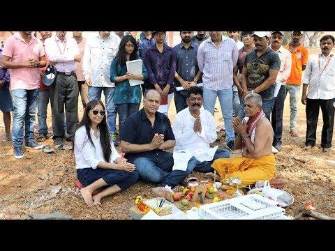 Ashutosh Gowariker And Nitin Desai Recreate The Iconic 'Shaniwar Wada' for 'Panipat'