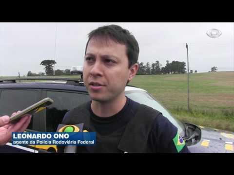Ladrões explodem carro-forte durante assalto no Paraná