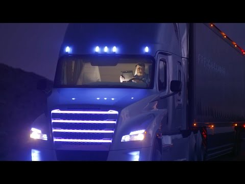 NEW Freightliner Inspiration Truck - Autonomous driving by night in Nevada