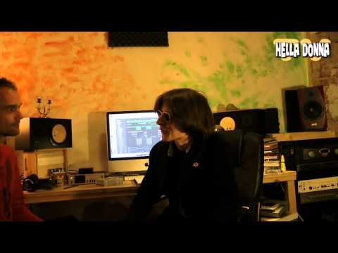 Hella Donna Video  -Podcast 2011 Part 1 - Visit at Wuppertal