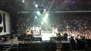 Pearl Jam (live) - Yellow Ledbetter - Copps Coliseum Hamilton - 9/15/2011