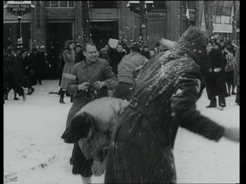 Rétro | Paris sous la neige en janvier 1945 (archives)