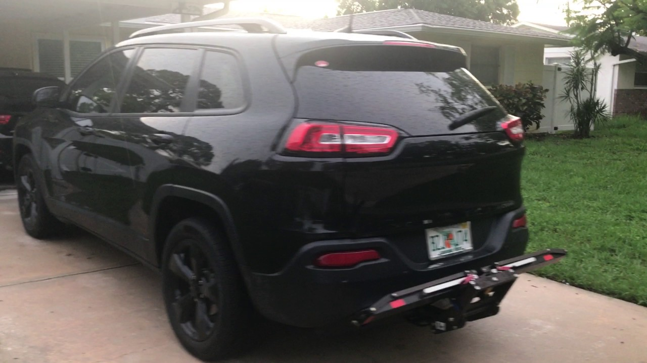 2016 Jeep Cherokee,   Black , High Altitude, Black Wheels, 1 Up Bike Rack.  And Roof Rack.