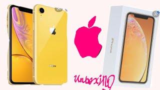 Розпакування жовтого айфон XR