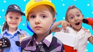 ÖYKÜ İLE EĞLENCELİ MESLEK OYUNLARI Kids with A Fun Pretend Play Story