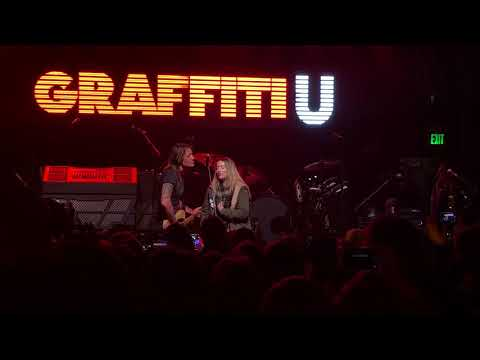 Keith Urban sings with a special fan