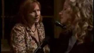 He Reached Down - Iris DeMent