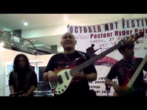 Franky Sadikin, Galuh, Budy Bass Project, Alam Caffeine, Ray Martosono, Adisty She - Jam Session