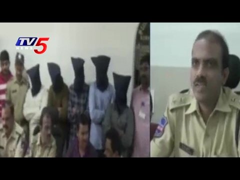 B.tech Students Acting As Police Officials | 4 Students Arrested | Kukatpally | TV5 News