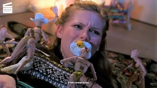 Download lagu Small Soldiers: Christy is tied up HD CLIP