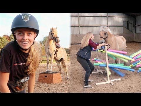 IETS DUURS GEKOCHT en SLOOPT MOOS HORSE AGILITY OBSTAKEL? | Weekvlog #124