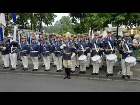 Die große Oberst-Parade am Sonntag in Kapellen zu Ehren des Oberst Heinz-Willi Otten 2016