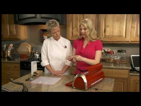 Cricut Cake Machine :: What's In The Box?