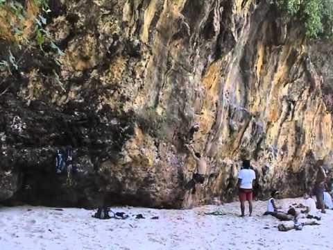 18 Bali Padang Padang Climbing