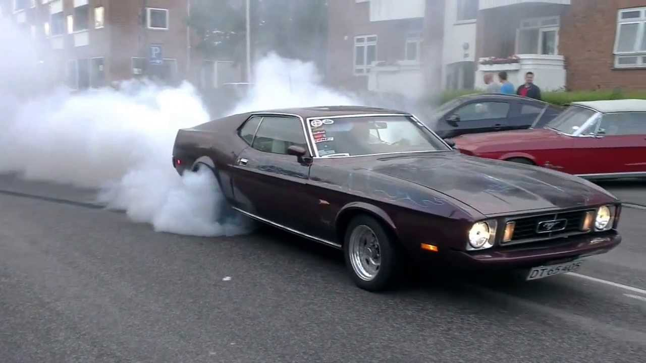 Badass burnout on public road 1972 mustang fastback thats how its done youtube