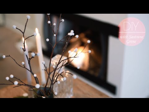 DIY: Branches with snowflakes by FrkHansen.dk and Søstrene Grene