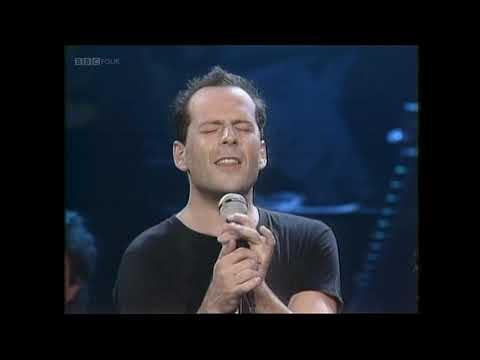 Bruce-Willis-Under-the-Boardwalk-TOTP-1987