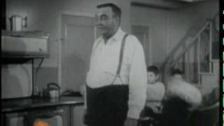 Repeat youtube video Les fêtes d'antan au Québec - 1986
