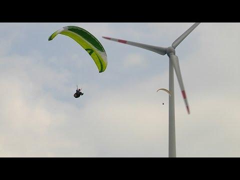 Versuche zurTurbulenzdarstellung hinter Windkraftanlagen - DHV Video